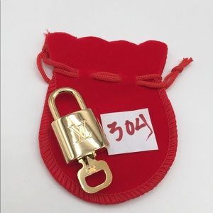 Louis Vuitton lock and key 304